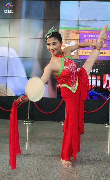 中国舞蹈家夏冰资料_夏冰简介_夏冰艺术照